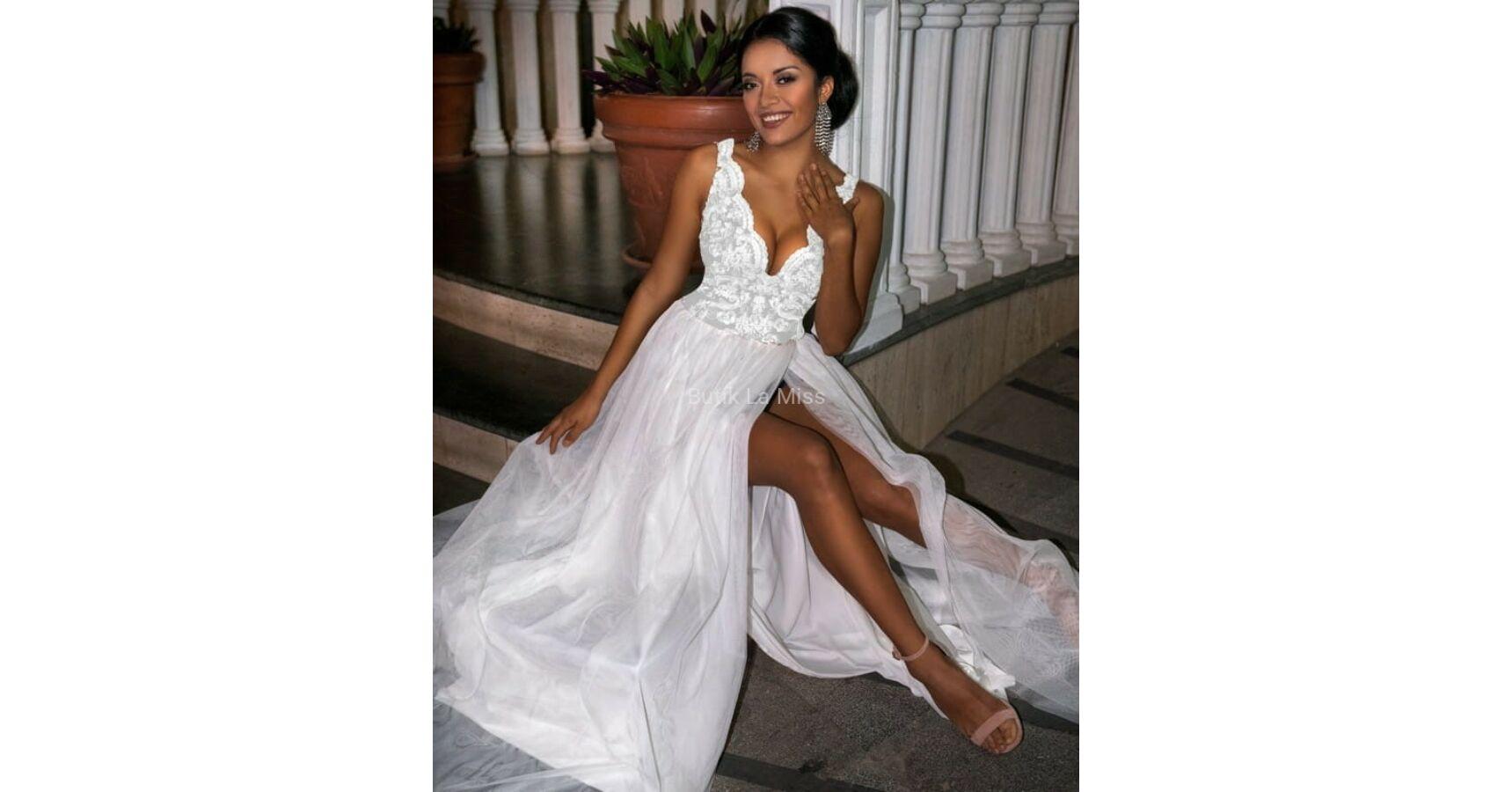 Chiara fehér ruha